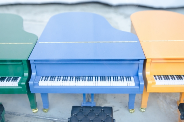 colorful-piano